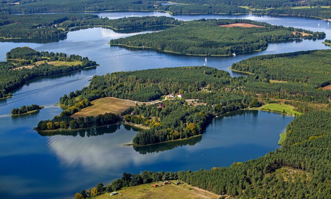 Wdzydzki Park Krajobrazowy Jezioro Wdzydze, półwysep Zabrody i półwysep Kozłowiec fot.Wojciech Zdunek