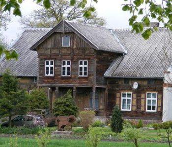 Dom podcieniowy we wsi Przemysław