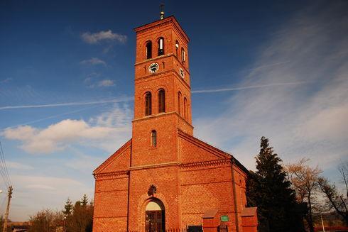 Kościół pw. Św. Apostołów Piotra i Pawła w Chmielnie