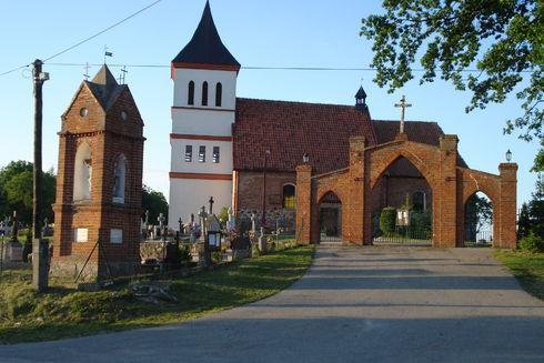 Kościół pw. Św. Katarzyny i Św, Józefa w Straszewie