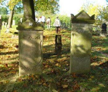 Cmentarze mennonickie w Barcicach