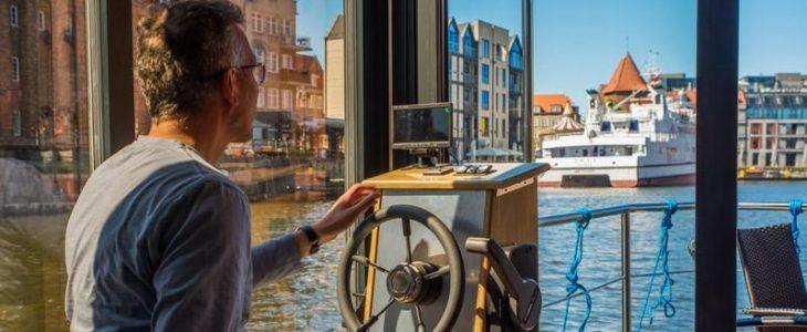 Dom na wodzie HouseBoat Gdańsk