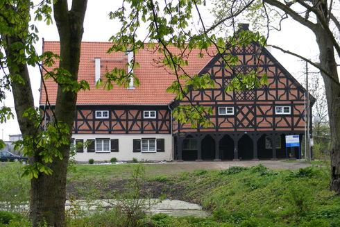 The arcade house in Miłocin