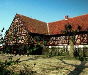 Dom podcieniowy w Trutnowy