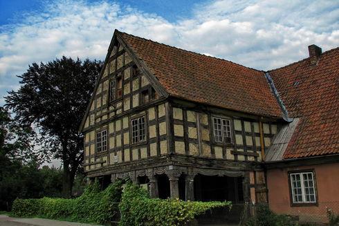 Dom podcieniowy we wsi Bystrze