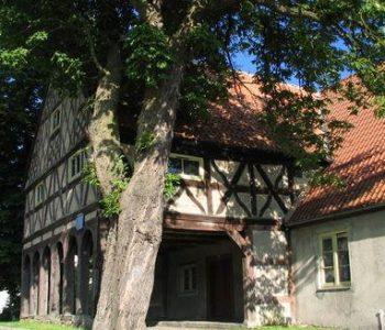 Dom podcieniowy we wsi Koszwały