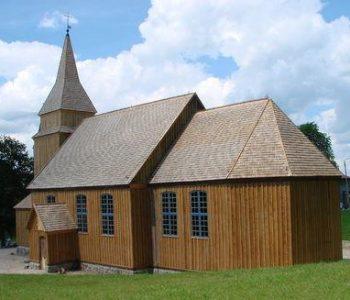 Drewniany kościół w Sierakowicach