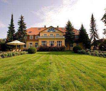 """""""Six Oaks"""" Manor House"""