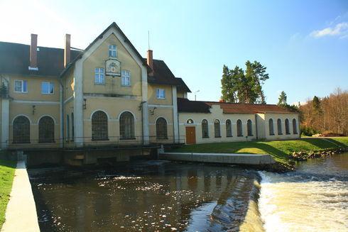 Elektrowania wodna Żelkowo na Łupawie