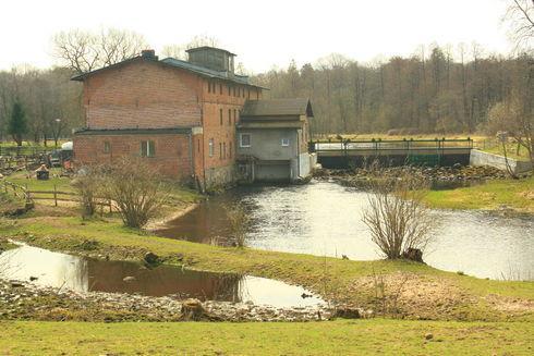 Elektrownia wodna Łupawa na Łupawie