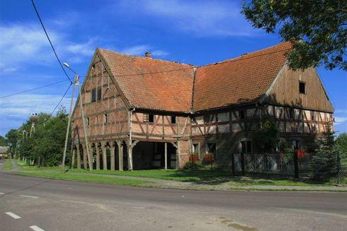 Dom podcieniowy w Nowej Kościelnicy (Nowa Kościelna)