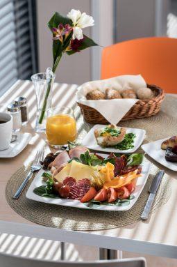 jadalnia sniadanie 2019 mfrh original scaled