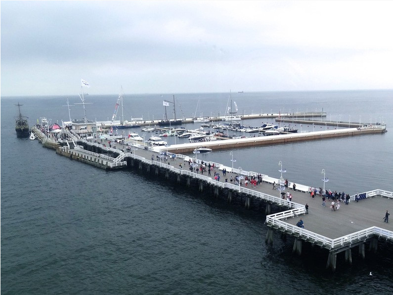 The pier in Sopot with modern marina, fot. Pomorskie.Travel