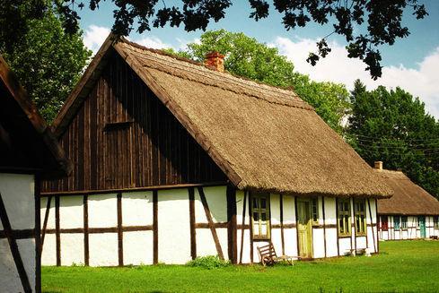 muzeum wsi slowinskiej w klukach
