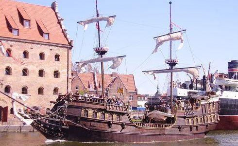 "The ""Lew"" and ""Czarna Perła"" galleons"