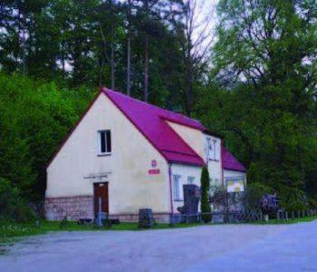 Route no.37 Polnymi Duktami (red)
