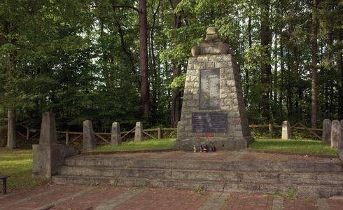 Wierzchucino: pomnik poległych w I wojnie światowej