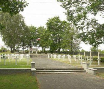 Władysławowo: cmentarz Żołnierzy Wojska Polskiego i Ofiar Terroru