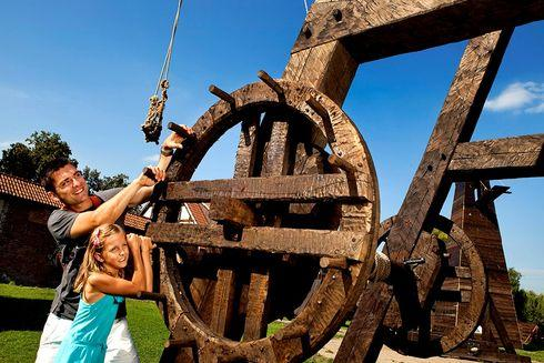 Wystawa Maszyn Oblężniczych