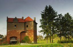 zamek kiszewski renesansowa baszta przybramna