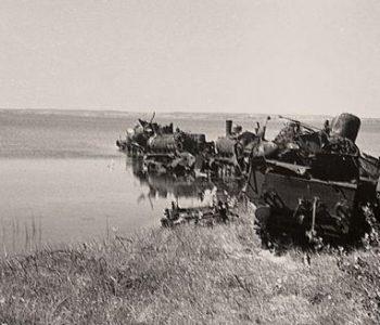 Zapory przeciwpancerne i barykady z parowozów z 1945 r.