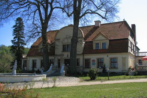 The Manor and Park Complex in Paraszyno